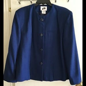 JP Collections Navy blue blazer size 18 pretty
